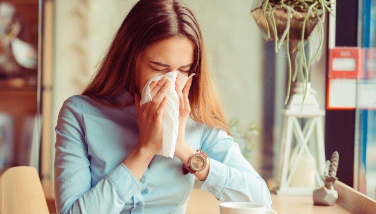 Rudens bieds – saaukstēšanās; kāpēc slimojam un kā samazināt risku