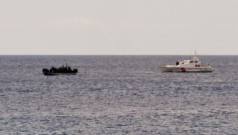 Lielbritānija uztver augošo migrāciju pāri Lamanšam kā 'nozīmīgu incidentu'