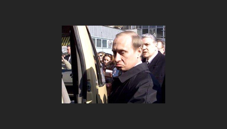 Putina reitings samazinājies līdz 50 procentiem