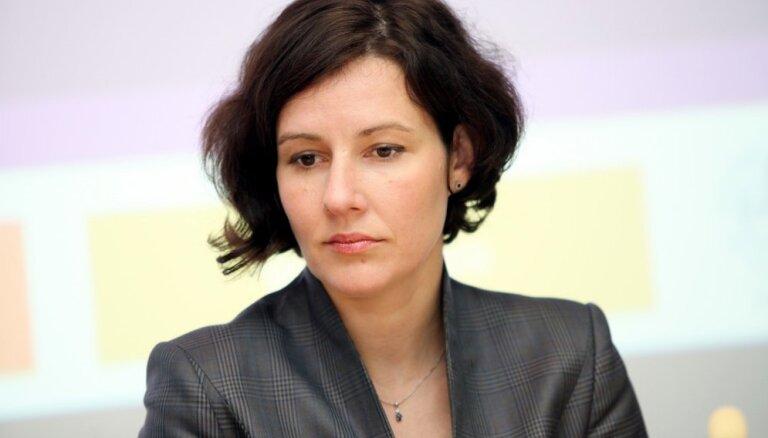 Dana Reizniece-Ozola ārpus politikas – ģimene, šahs, dārza darbi