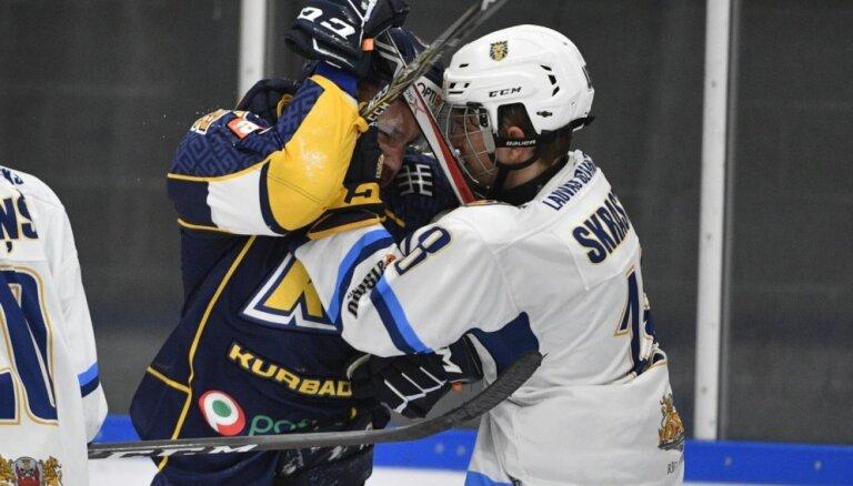 'Liepājas' hokejisti 'bullīšos' uzvar 'Zemgale'/LLU vienību; 'Prizma' kļūst par līderi