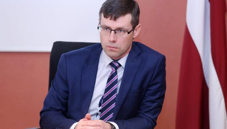 Rīgas domes opozīcija pagaidām izvairīga par iespējamo atbalstu Zepam