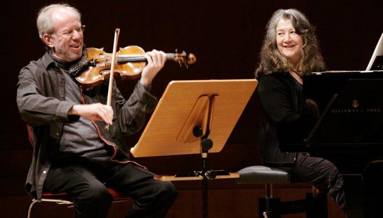 Vidzemes koncertzālē 'Cēsis' vienīgajā koncertā Latvijā - Marta Argeriha un Gidons Krēmers