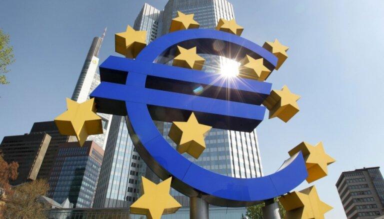 Eiro vērtība krītas, ECB nemainot bāzes procentlikmi