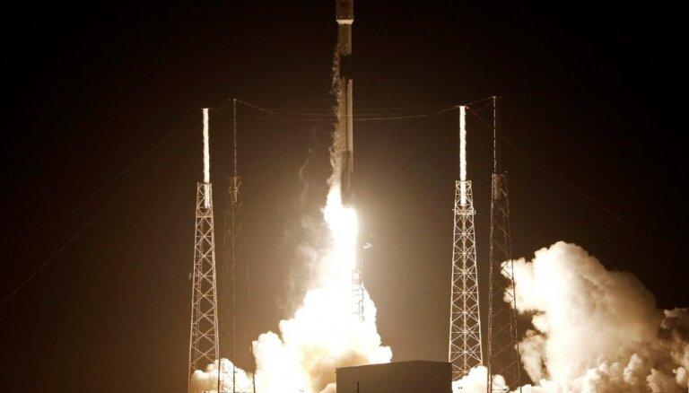 No Floridas startējusi raķete ar Izraēlas Mēness zondi