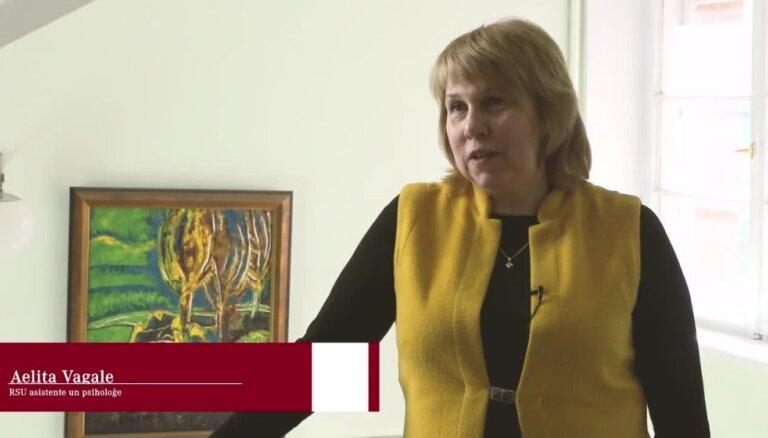 Video: Psiholoģe stāsta, kā rīkoties, lai bērns nekļūtu datoratkarīgs