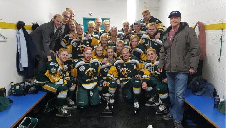 Kanādas junioru hokeja komandas autobusa un kravas auto sadursmē 14 bojāgājušie