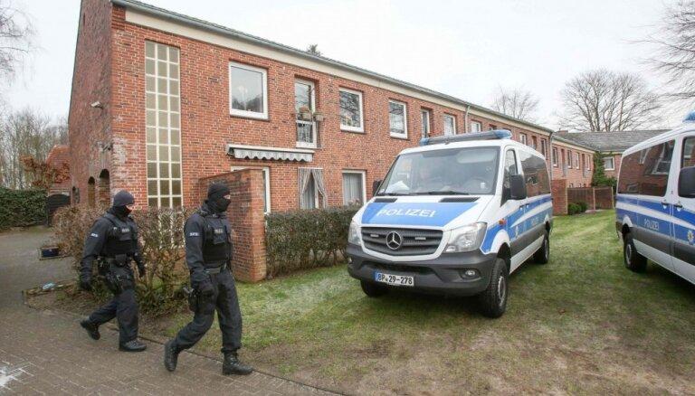 Aizdomās par terorismu Vācijā aizturēti trīs irākieši