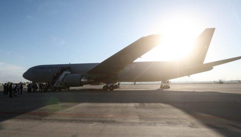 Dzinēja problēmas dēļ 'Air France' lidmašīna spiesta atgriezties Kotdivuāras galvaspilsētā