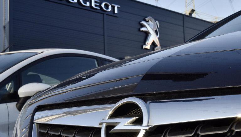 Franču autobūves uzņēmums 'Groupe PSA' draud breksita dēļ slēgt rūpnīcu Anglijā