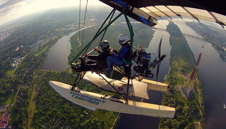 Ceļojums pierobežā, lidojums virs Rīgas un brauciens ar 'bļodu' pa Amatu – kā 'Delfi' lasītāji baudīja Latvijas vasaru
