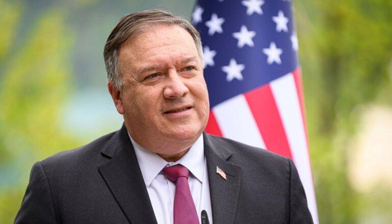 Pompeo draud ar sankcijām visiem, kas pārdos ieročus Irānai