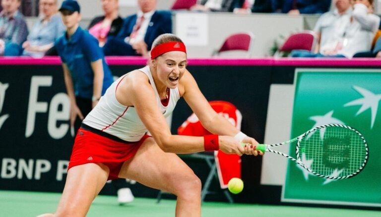 Ostapenko vēlreiz zaudē; Latvijas tenisa izlase neiekļūst 'FedCup' Pasaules 1. grupā