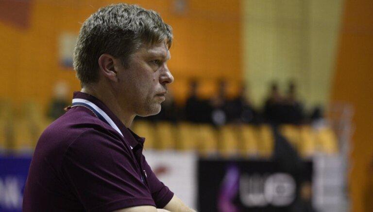 Latvijas handbola izlases treneris Uščins vērš uzmanību uz igauņu 'pēdējo cerību'