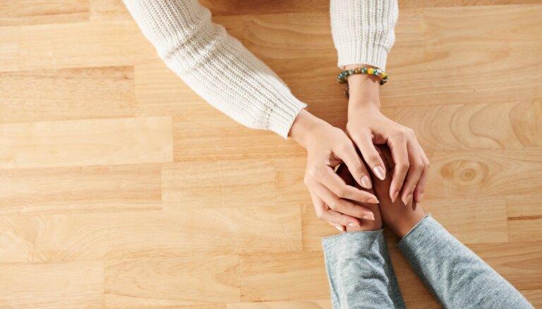 Kā palīdzēt partnerim, kurš zaudējis darbu