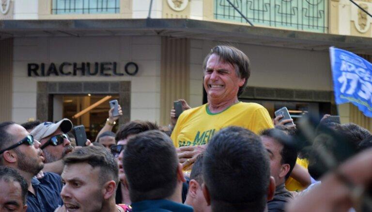 Brazīlijā nopietni sadur populārāko prezidenta kandidātu