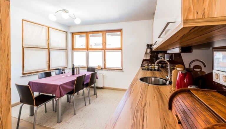 Paklājs virtuvē – veiksmīgi piemēri praktiskā un estētiskā apvienošanai