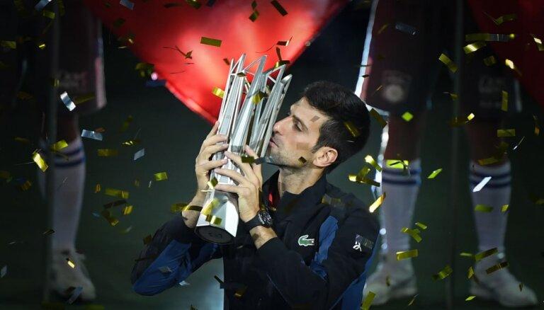 Джокович выиграл супертурнир в Шанхае, обошел Федерера и подобрался к Надалю