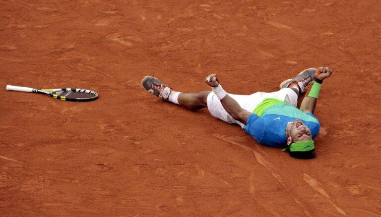 Надаль переписывает рекорд и рокируется с Федерером