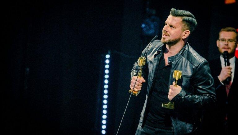 Norisināsies Latvijas mūzikas ierakstu Gada balvas ceremonija 'Zelta mikrofons'