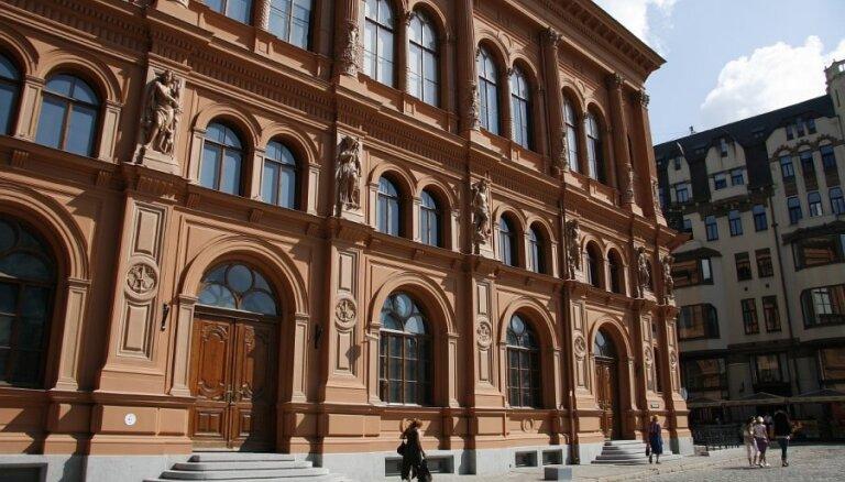 Rīgas biržas pamatekspozīcijā būs Frančeskas Kirkes izstāde 'Trauslums/Fragile'