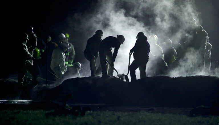 Meksikā degvielas cauruļvada sprādzienā gājuši bojā 66 cilvēki; desmitiem ievainoto
