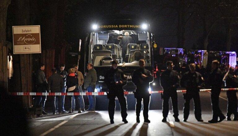 Dortmundes 'Borussia' autobusa spridzinātājs apsūdzēts 28 slepkavības mēģinājumos
