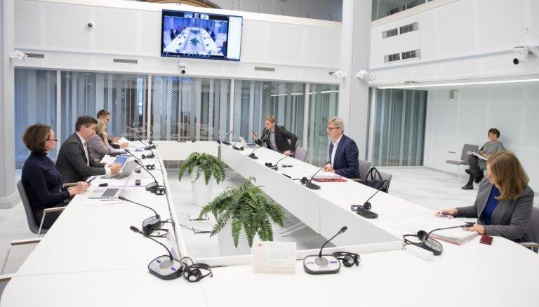Komisija atbalsta budžeta likumprojektu paketi; Saeima sāks skatīt 28. oktobrī
