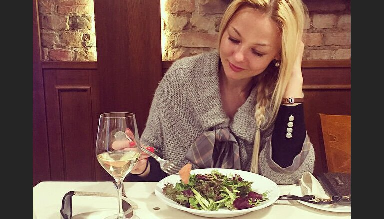 Foto: Ar ko mielojas un ko dzer populārie latvieši