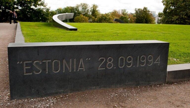 Francijas tiesa sāk izskatīt prāmja 'Estonia' katastrofas upuru tuvinieku un izdzīvojušo prasības