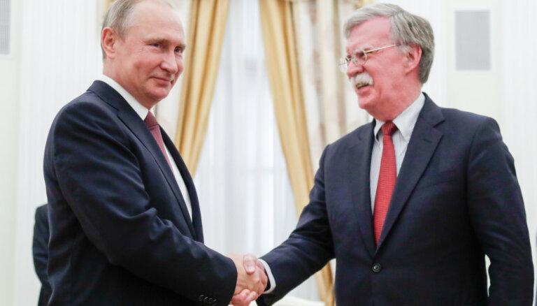 Путин встретился с советником президента США Болтоном