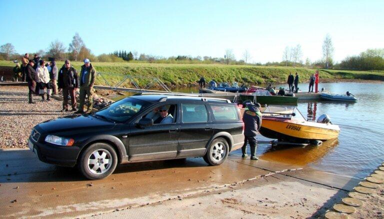 Paplašinās laivu nolaišanas vietu Ventā
