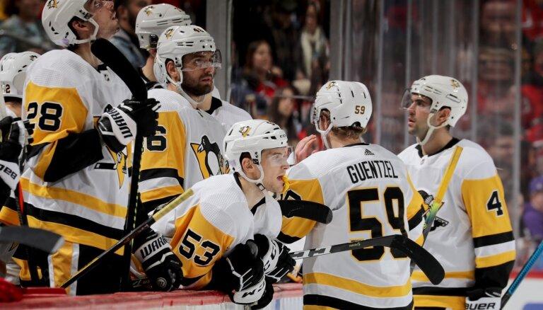 Bļugeram vārti 'Penguins' uzvarā pār 'Panthers'