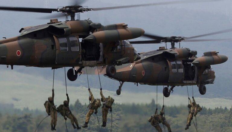 Valdība atbalsta četru helikopteru 'Black Hawk' iegādi