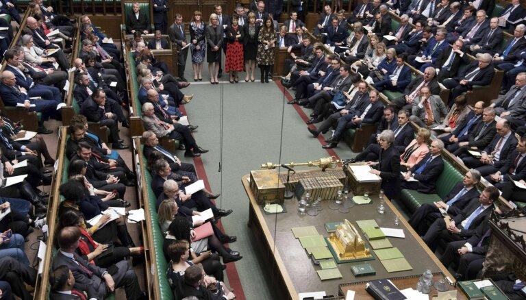 Lielbritānijas parlaments izsludina ārkārtas stāvokli vides un klimata jomā