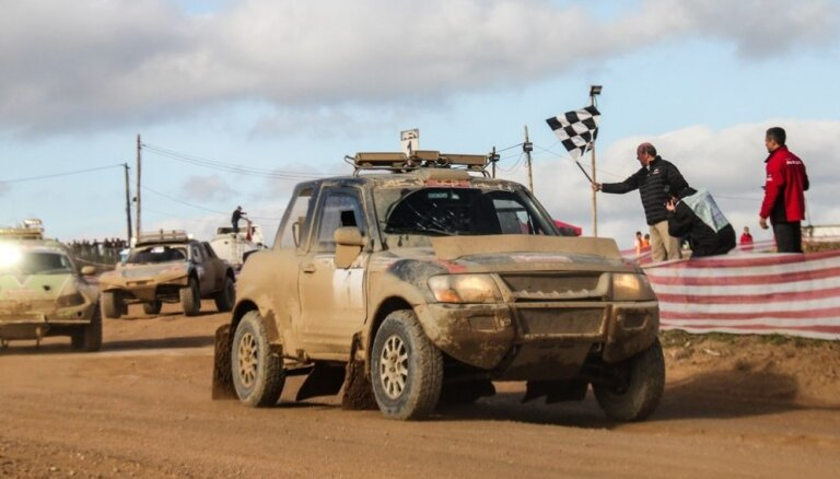 Skokiem un Piķim otrā vieta 24 stundu apvidus auto sacensībās Portugālē