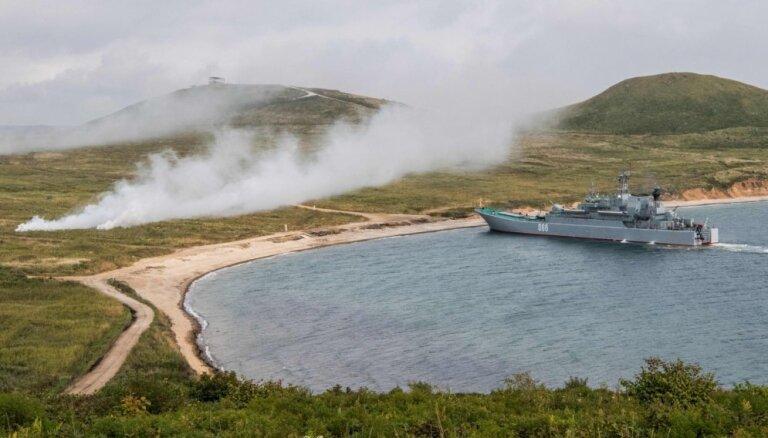 Krievijas spēki Japāņu jūrā rīko militārās mācības