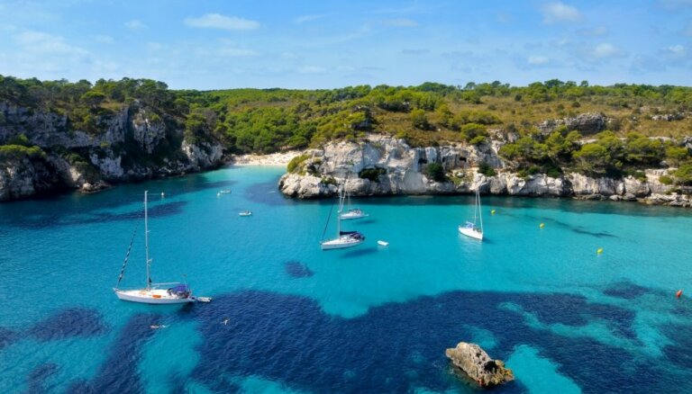 airBaltic открывает новые маршруты на средиземноморские острова