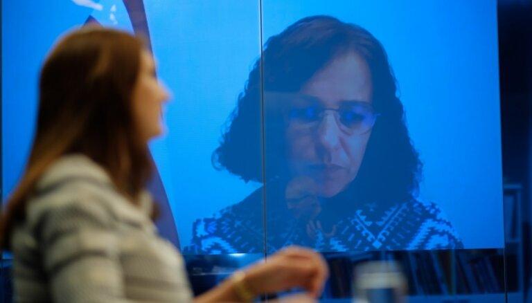 Šuplinska piedāvā pedagogu algas celt līdz 1200 eiro