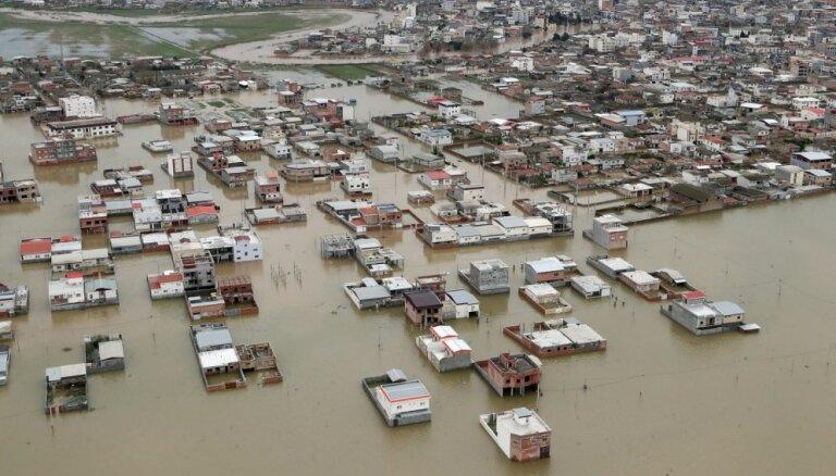 Pēdējo nedēļu laikā Irānā plūdos gājuši bojā 70 cilvēki
