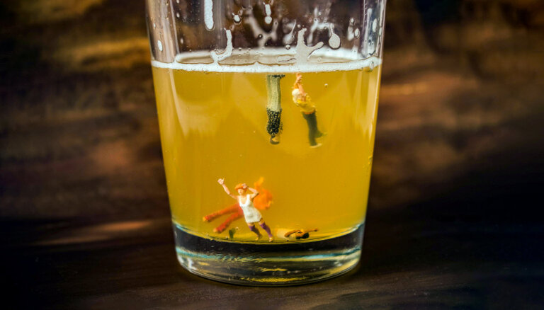 """""""Они пьют все подряд"""". Что делать, если ваш ребенок пристрастился к алкоголю?"""