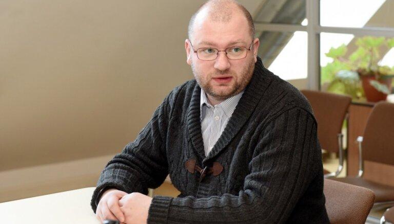 Krasnogolovu Rīgas bāriņtiesas vadītāja amatā ieceļ uz trešo termiņu