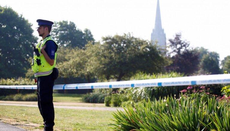 Skripaļa lietas izmeklētājiem radušās aizdomas par vēl divām slepkavībām Lielbritānijā