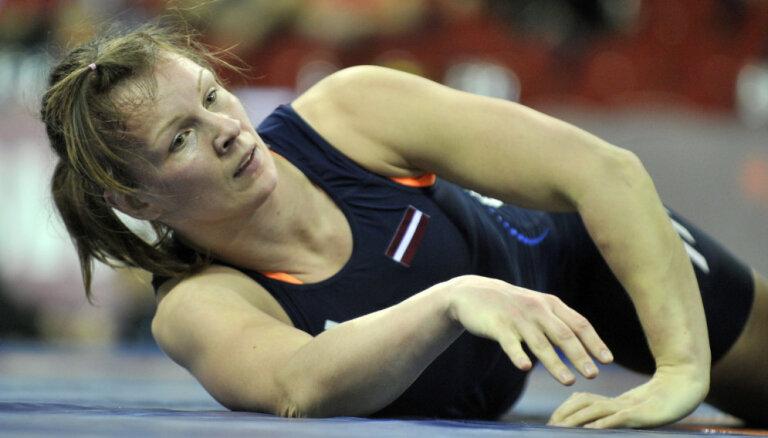 Cīkstone Skujiņa pēdējā uzbrukumā izlaiž no rokām Eiropas čempionāta bronzu
