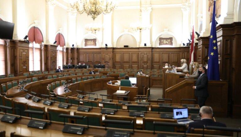 Saeima pieņem likumu par fiziskās personas atbrīvošanu no parādsaistībām