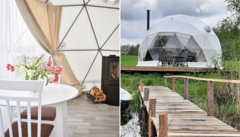 ФОТО. Необычное место для отдыха: купольный домик на берегу озера в Латгалии