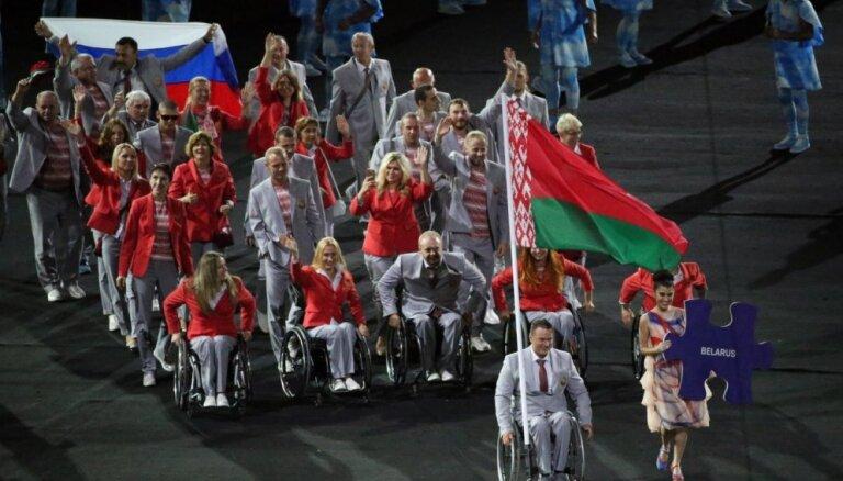 Baltkrievijas paralimpieši tomēr ienes 'Maracana' stadionā Krievijas karogu