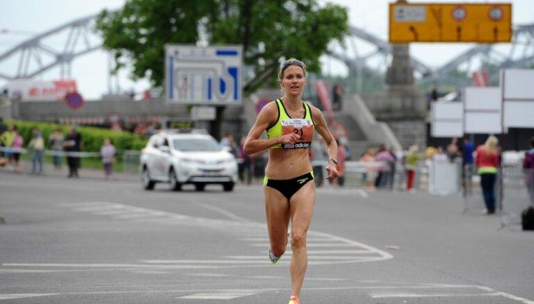 Latvijas skrējēja Hilborna Otavas maratonā izpilda olimpisko spēļu normatīvu