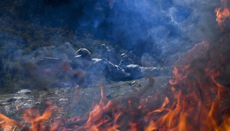 Sadursmēs uz Kirgizstānas un Tadžikistānas robežas dzīvību zaudējuši divi cilvēki; 20 ievainoti