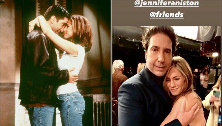 Deivids Švimmers nav kopā ar Dženiferu Anistoni – tās ir baumas